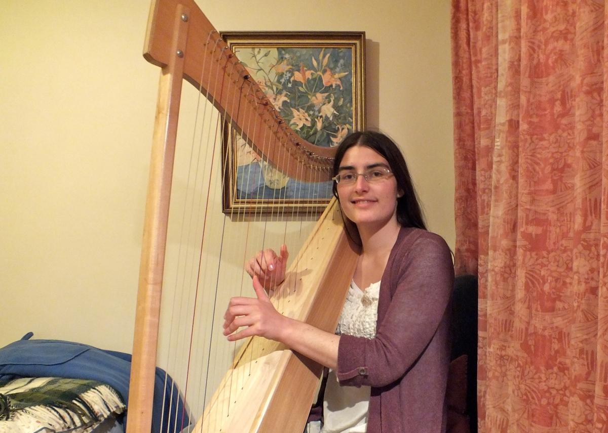 Hannah Sterry - solo harp