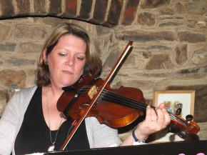 Hamer and Isaacs gypsy swing band at The Millbrook Inn, South Pool.