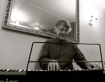 John Sterry (from The Sterrys) playing piano / keyboard at The Cottage Hotel.