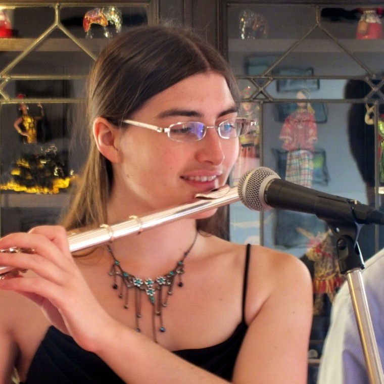 Flautist Hannah Sterry performing jazz flute for The Cottage Hotel's Summer Music Nights in Hope Cove, Devon.