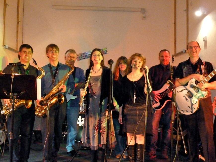 Ansa Back Live at Morleigh - 8 piece cover band based in South Devon.